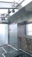 Вертикальный и потолочный вентиляционные короба обшитые нержавеющей шлифованной сталью. Фото 1